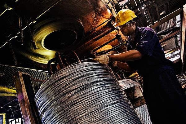 就现状看,印度新上任不久的总理纳伦德拉·莫迪却对本国的钢铁工业不