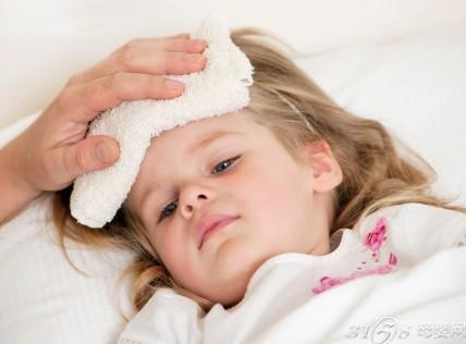 当孩子出现这三种发烧症状时,立马找医生