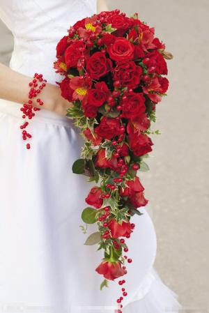 外景婚纱照手捧花的搭配选择