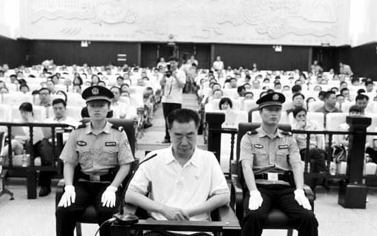 9月7日,中南大学原副校长胡铁辉受贿一案在长☆沙市中级人民法院公开开庭审理。记者华剑