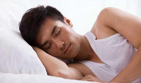 """睡姿坐姿不对耽误""""性""""福"""