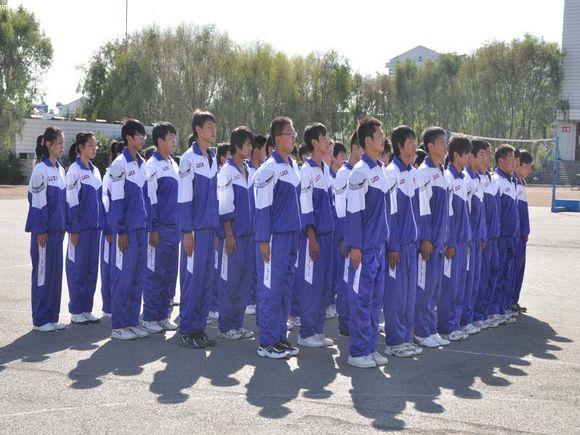 评论 中国式校服是教育改革中最顽固的堡垒