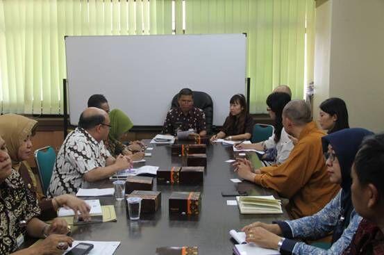 代表团与印尼中爪哇官员座谈