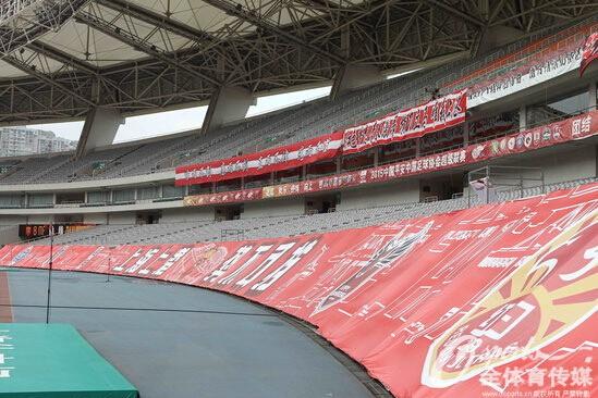 图为上港主场八万人体育场