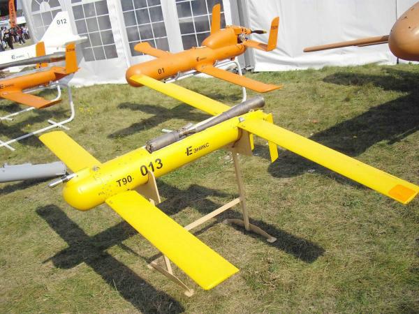 图为俄罗斯T90-11无人机(机翼已经展开)。