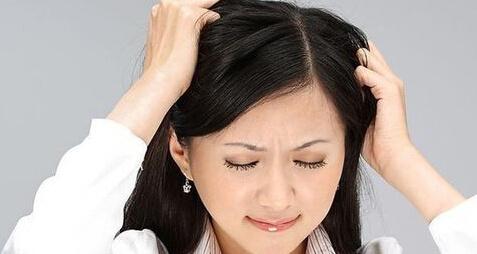 戴假发的危害