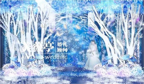 蓝色鹿手绘梦幻