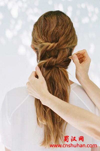 中长发编发教程图解 步骤简单的独特发型