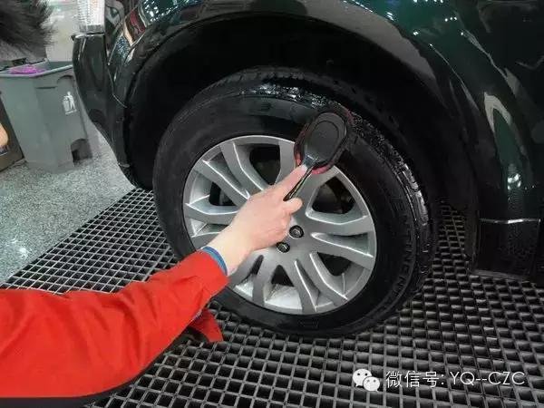 每月应在常温下检查一下轮胎气压,如果低于正常标准应及时补充轮胎图片