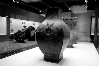 此次展出的青铜器。京华时报记者 王海欣 摄