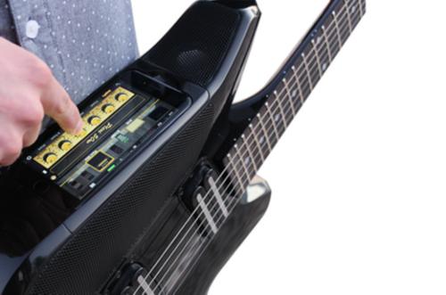 能用iphone 6s弹奏的电吉他到底有何用?(组图)