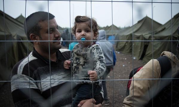 叙利亚男性为逃脱兵役沦为难民 媒体:应受尊敬