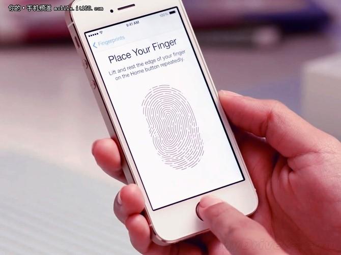 苹果iPhone5s将配备苹果设计的5镜片结构,最大光圈提升到f/2.2,传感器的面积比起上一代大了15%,更大的像素能够提供更好的画质,并且配备了双LED闪光灯配置,同时换上更强的处理器,并且支持指纹识别、NFC等功能,其外形与现在的iPhone