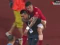 视频-张琳芃铲球对脚染黄 腿部受伤被背离场