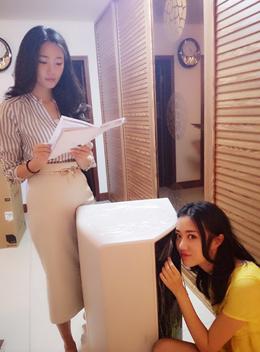 """""""感觉有些不可思议,我们竟然是第6500万个家庭,海尔防电墙技术真的很受欢迎啊。""""9月13日,家住北京海淀区的孔燕松孔瑶竹两姐妹在自己的新家迎来了购买的净水洗热水器,当得知她们是防电墙技术上市13年来的第6500万个使用家庭时,姐妹俩有些兴奋地告诉记者。"""