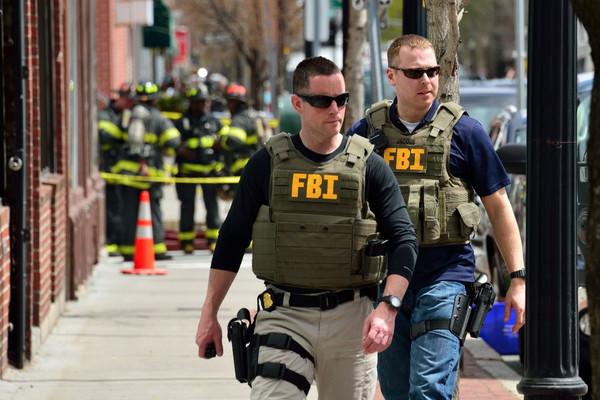 美国十次日加_如何应对美国警察?收藏好,关键时刻能救你一命