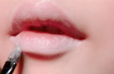 有唇珠的女明星图片