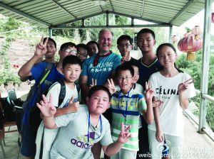 步行第21天 和加入夏令营的孩儿们合影