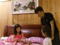 《爸爸去哪儿第三季片花》兵王变保姆 王宝强一人带六娃
