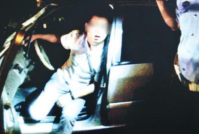 闹事司机逃逸后被挡获。