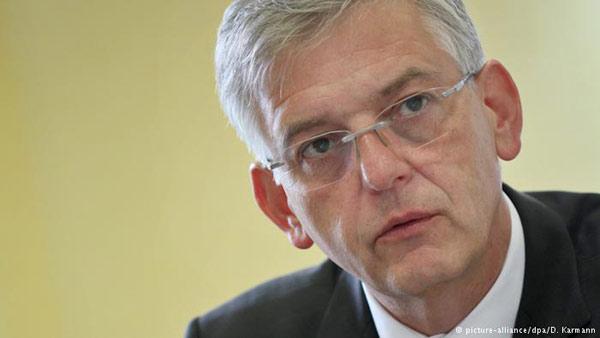 德国难民局局长辞职 曾因处理庇护申请不及时挨批