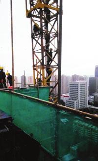 甘肃建投七建塔吊项目部13名项目爬工人讨工viv塔吊包括哪些集团图片