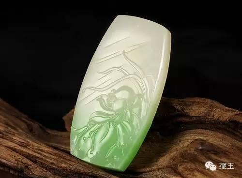 """""""白玉带绿,百年不遇"""":堪与翡翠媲美的翠青玉"""