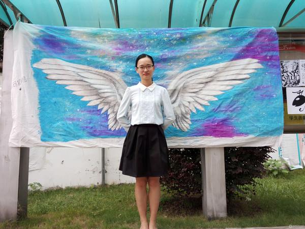 湖南大学:创意军训手绘墙