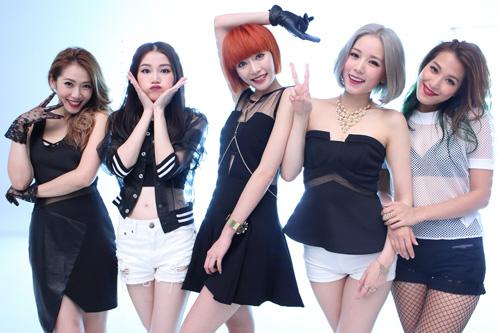 无码-熟女-丝袜-轮流-下载_香港女子组合super girls为拍mv被迫吃油漆