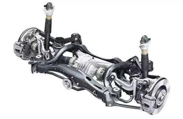 螺旋弹簧的位置由减震器的前部(车头方向),移到了减震器的内侧(后轴