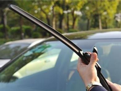汽车雨刮片更换保养有技巧 视线安全的防线-齐配配