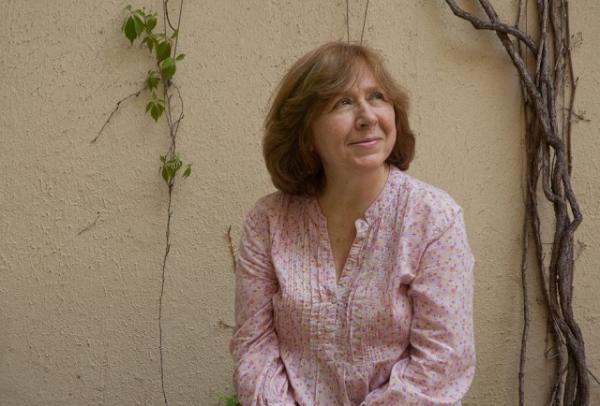 斯维拉娜・亚历塞维奇, 白俄罗斯的女记者和散文作家 赔率:1赔5