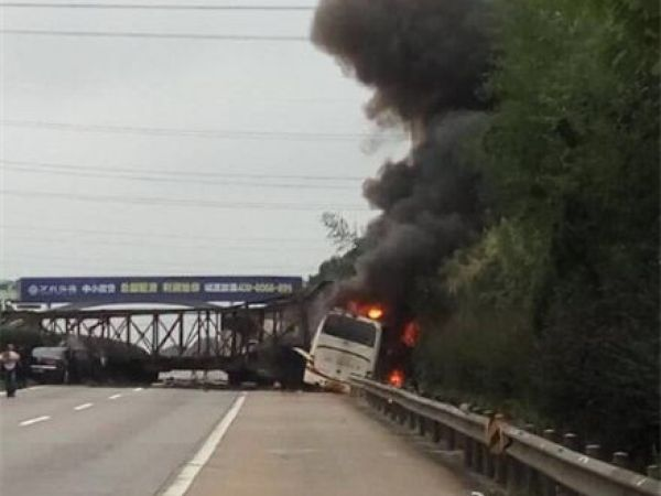 沪昆高速公路潭邵段事故目前已致21死亡