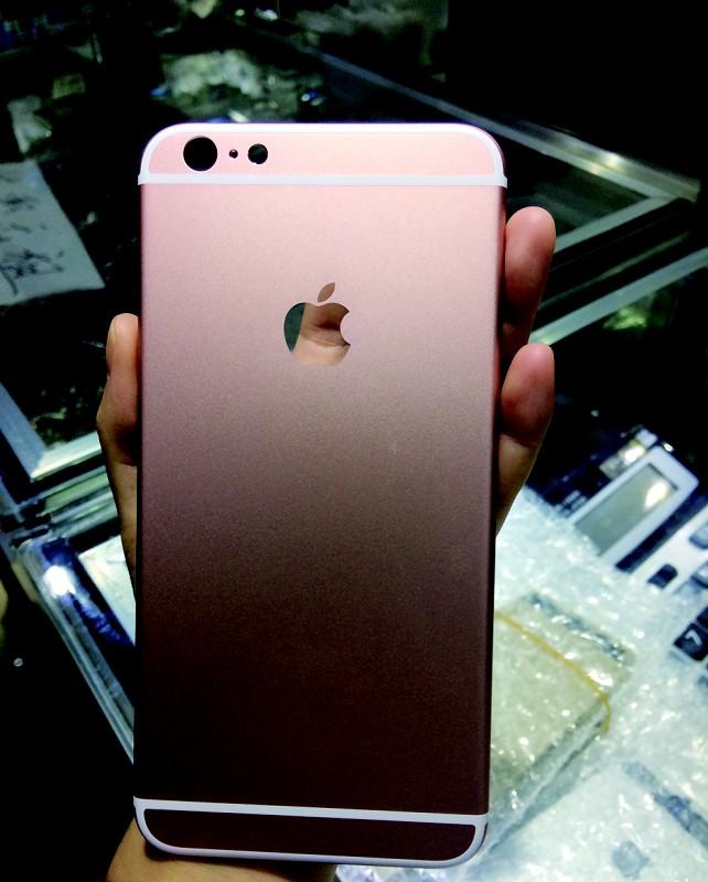 手机实拍高仿玫瑰金iphone6splus手机壳换白点记者屏图片
