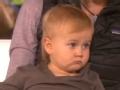 《艾伦秀第13季片花》S13E10 一岁爱莉学攀岩 现场攀岩不忘回头亮相