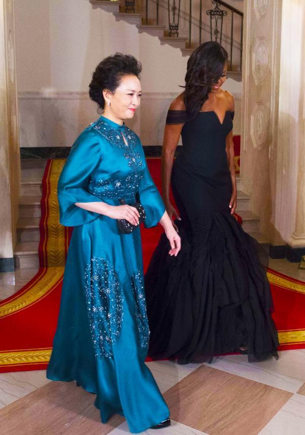 彭麗媛訪美著裝獲服裝設計師高分點贊