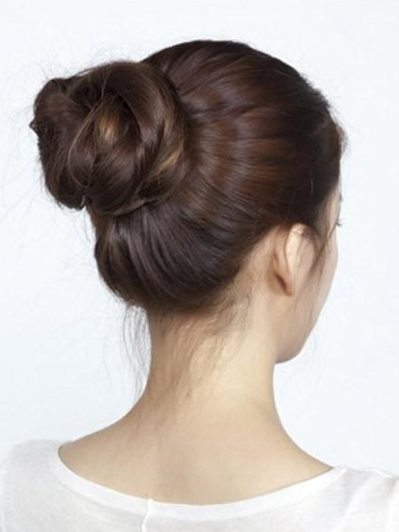 秋冬3款丸子头发型,扎丸子头比披发更有气质图片