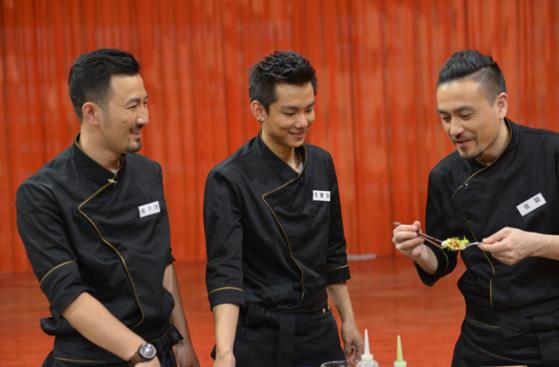 《谁是你的菜》高颜值厨团 用美味交换明星秘密