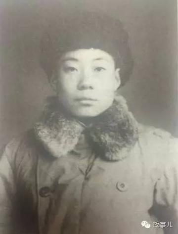 齐心的弟弟齐锐新在解放战争时期。