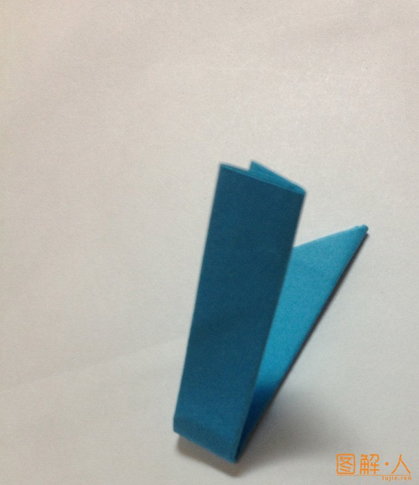 用纸折的四角纸飞镖
