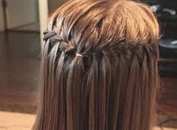 顶的头发编织在一起