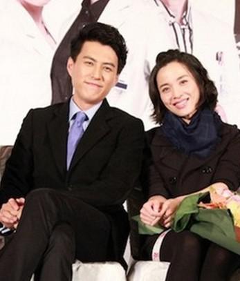 靳东老婆_揭秘《伪装者》霸道总裁靳东老婆的真实身份