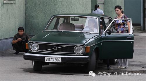 沃尔沃   144型轿车还有一批作为出租车使用,虽然朝鲜充分利高清图片