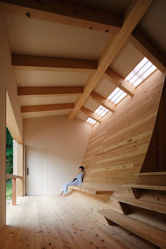 日本这家温泉浴室有一面充满奥秘的曲面墙(组图)