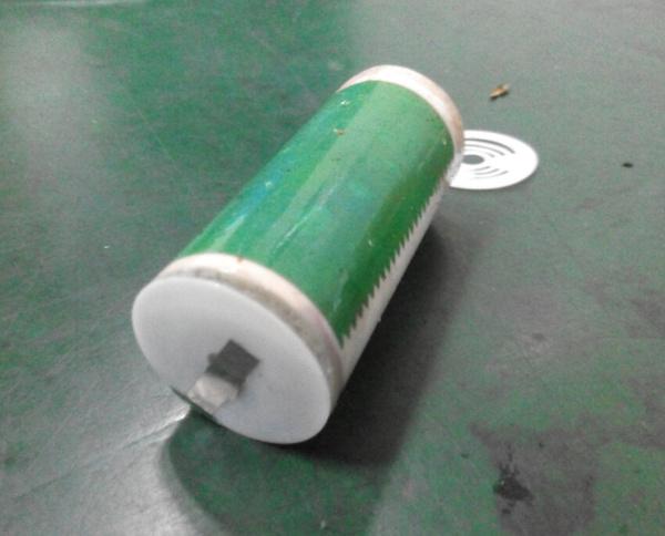 新26650锂电池拆解过程图片