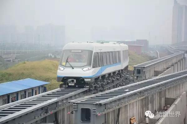 列车进入道岔区