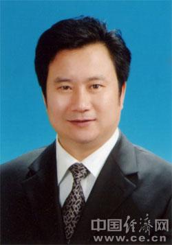 黄志平,男,1961年10月出生,浙江玉环人。1981年8月参加工作,1982年9月加入中国共产党,在职研究生。