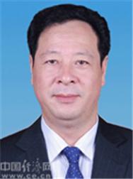 彭佳学,男,汉族,1965年5月生,安徽潜山人,1987年6月加入中国共产党,1989年7月参加工作,研究生学历。