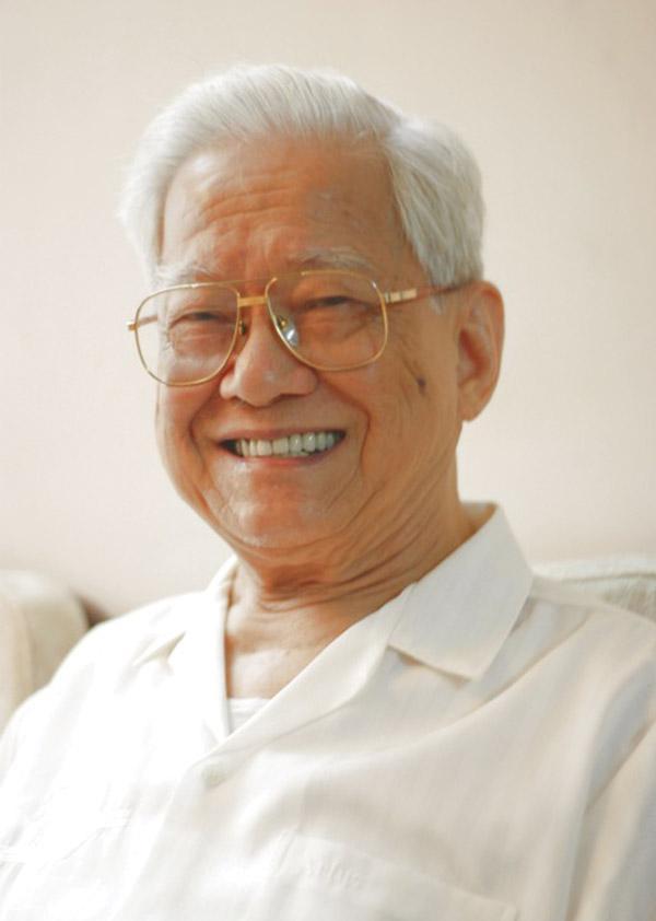 据珠海网报道,中共珠海市委第一任书记兼市长、老红军吴健民同志因病于2015年10月12日晨在广州市逝世,享年95岁。