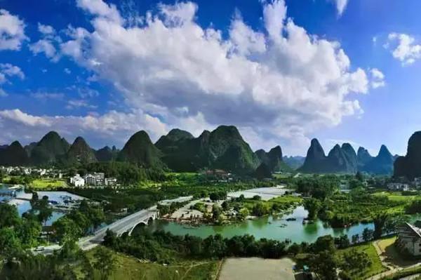 安徽省泾县月亮湾村